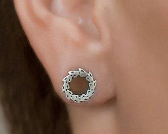 8mm gauges. silver ear tunnels 0g. ear plugs silver. silver gauges. wedding gauges. gauges plugs. 0g plugs.