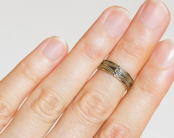 Boho knuckle ring. midi ring gold. boho jewelry. boho rings. gold midi ring. gypsy jewelry. tribal ring. above knuckle ring. midi rings.