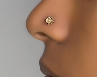 Gold flower nose stud. nose piercing. nose jewelry. nose stud gold. tiny nose stud. nose ring. flower nose stud. thin nose stud. 20g stud.