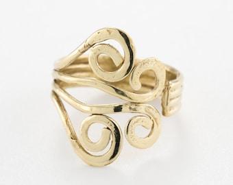 Gold toe ring. adjustable toe ring. boho rings. pinky ring. toe ring gold. foot accessories. bridesmaid gifts. gypsy ring gold.