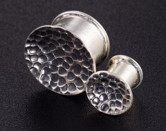 Sterling Silver 6g 2g 0g 00g 000g plugs. silver ear plugs. ear gauges. silver tunnels. sterling silver plug. silver plug earrings. 2g plugs.