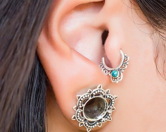 18g Sterling silver Tragus earring with Turquoise . cartilage earring. tragus hoop. helix piercing. tragus jewelry.