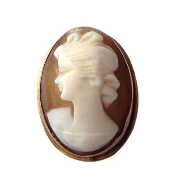 A Classic Oval  9ct Gold Cameo Brooch In Miniature    SKU4063