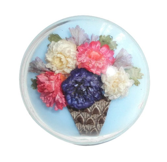 VINTAGE 1940s floral corsage bouquet early plastic antique hat brooch pin 1950s