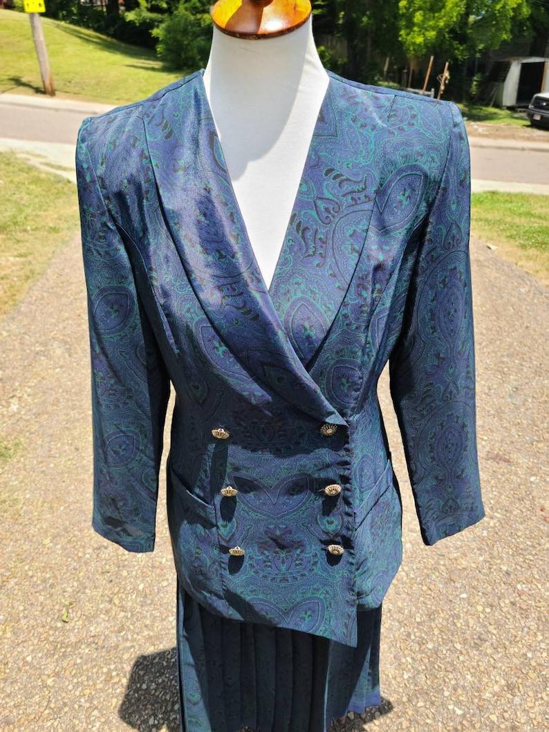 Vintage Leslie Fay Dark Peacock Paisley Heart Print Skirt and Jacket Set