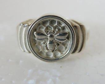 009 Honeycomb Bee Pinky Ring