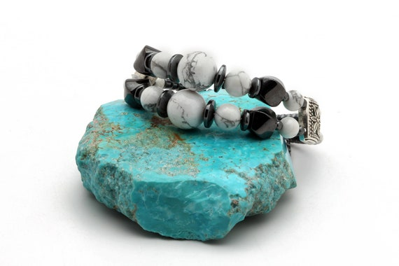 New Style Howlite with Hematite on Stainless Steel Memory wire Bracelet. One size fits all