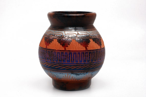 """4.5""""x 5"""" SM Sedona Red Rock Navajo Horse Hair Pottery, Native Handetched and painted with medicine symbols and prayer feathers - RED CLAY"""