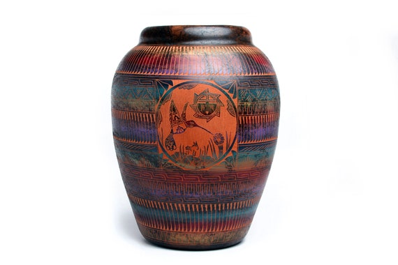 11x13 XLG double sided. Navajo Hand Etched Humming Bird Pottery Made with Horse Hair - Sedona Red Clay (XLG)