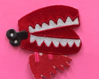 Wind up teeth patch