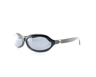 4bb80dfa899c6 Vintage Chanel 01946 90405 Sunglasses