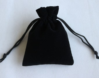 Wedding Gift Bags, Black Velvet Drawstring Pouches Jewelry Gift Bags, 7X9cm Small bags DZ0001(Pack of 20pcs)