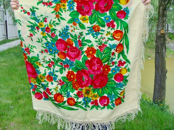 Vintage Ukrainian shawl, Russian shawl, Wool flora