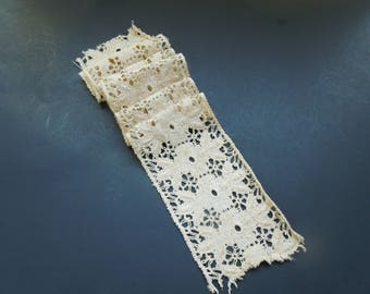 Antique Hand Crochet Bobin Lace Trim Edging Country Lace Embroidery Ecru Beige Color Floral Collector Birthday DIY Project Gift