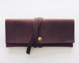 customizable leather glasses case // personalized eyewear case // raw leather clutch // sunglasses sleeve // minimal // oil tanned // brown