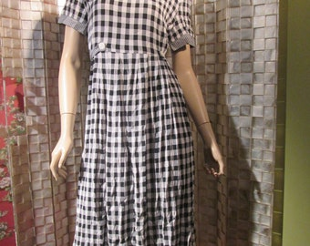 Vintage 80's/90's checkered rayon dress size 8