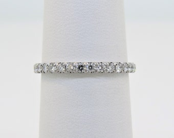 14K White Gold 0.08ct Green Diamond Micro Pave Wedding /& Engagement Ring Diamond Ring Promise Ring Stackable Band Anniversary Band