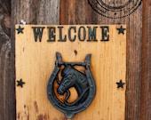 Unique Western Door Knocker Rustic Door Knocker On A Old Wood Horse Cast Iron Rustic Door Knocker n Horseshoe Handle Rustic Front Door Decor