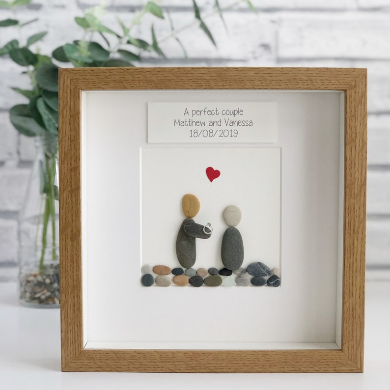Engagement pebble frame