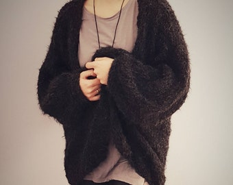 Hand knitted oversized fluffy alpaca cardigan made by soft alpaca yarn. Available in many colors.