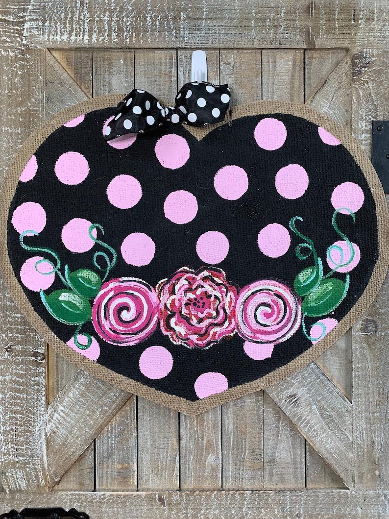 Floral /& Dots Heart Valentine/'s Day Burlap Doorhanger