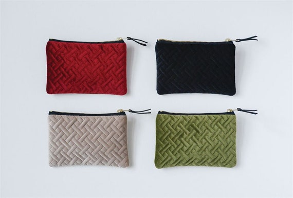 EMBELLISH ZIPPER POUCH
