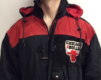 a5d9940a86b448 Vintage 90 s Chicago Bulls Basketball Puffy Puffer Hooded NBA Jacket (Size  L)
