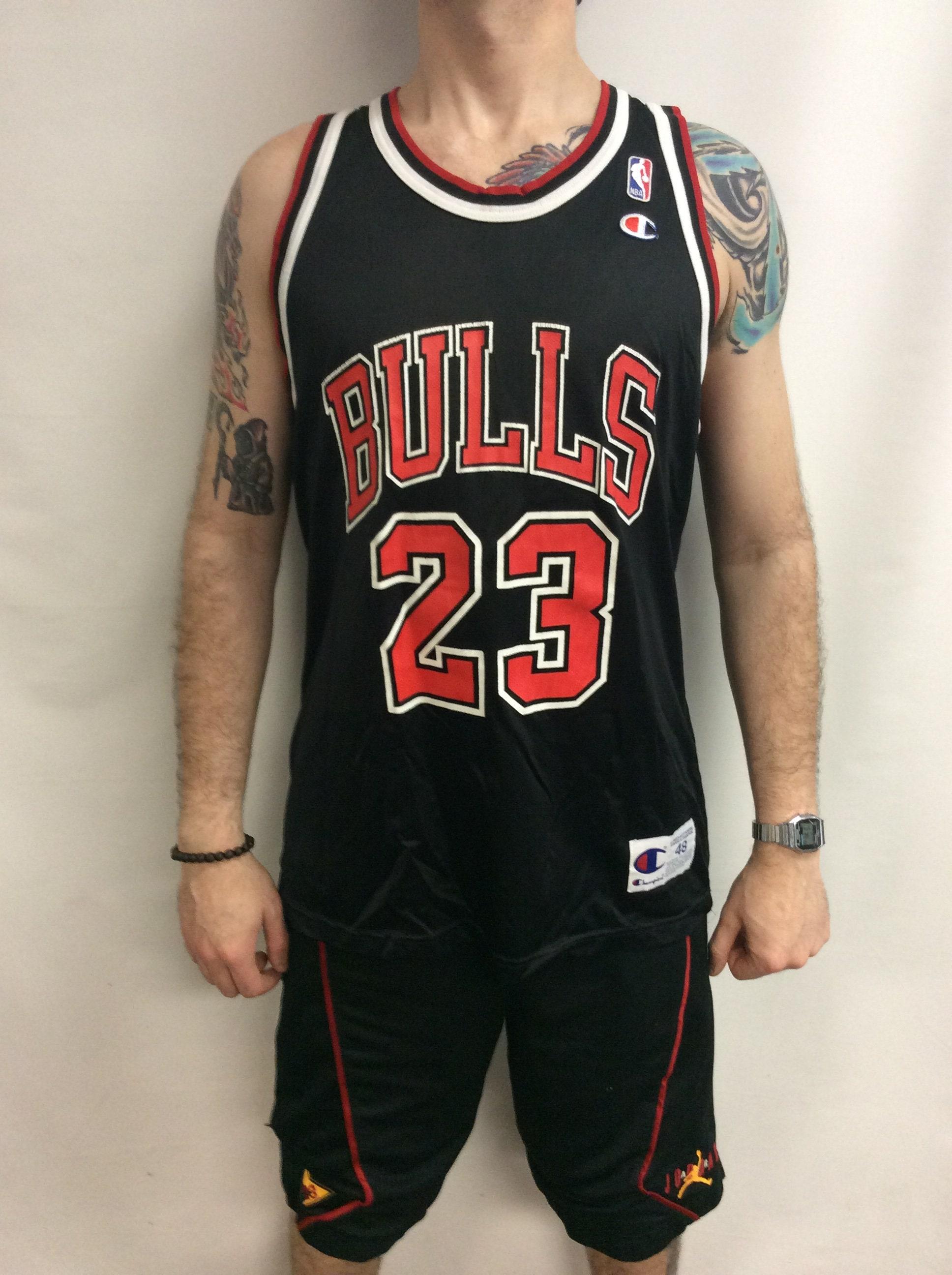 ee85ea6f6 Vintage 90 s Chicago Bulls Basketball Michael Jordan 23