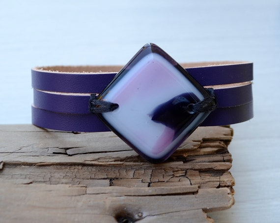 Ready to ship ,Purple leather bracelet and fused glass, women jewelry, bracelet leather fused glass cuff, fused glass bracelet