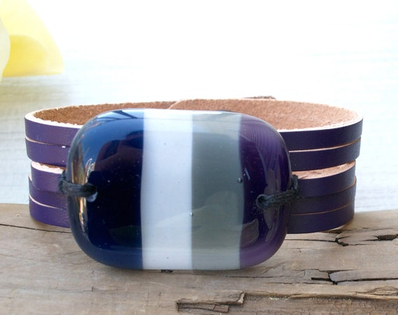 Purple leather bracelet and fused glass, women jewelry, bracelet leather fused glass cuff, fused glass bracelet