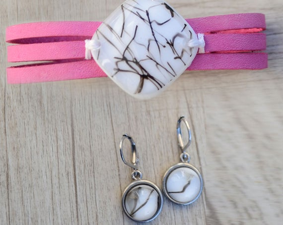 Pink leather bracelet and  white fused glass earrings ,women jewlery bracelet leather fused glass cuff, fused glass bracelet handmade