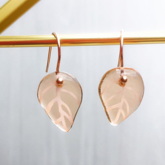 Dangle earrings champagne and rose gold leaves in glass and stainless steel