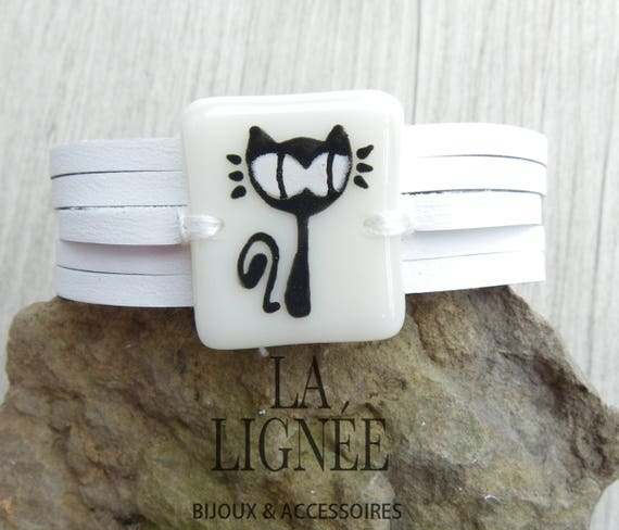White leather cuff and fused glass, women jewlery bracelet ,Black cat fused glass bracelet