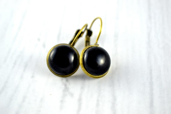 Leverback Earrings, little black round dangle earrings, small earrings bronzeor gun metal, boucles d'oreilles