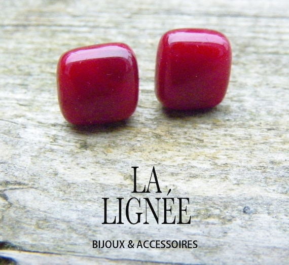 red  fused glass stud earrings, small earrings studs, small stainless stud earrings, boucles d'oreilles