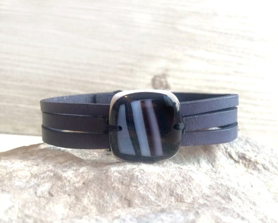 women  leather bracelet,  Black and white  fused glass , women jewelry cuff bracelet handmade, made to order, leather bracelet