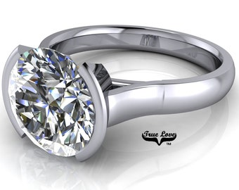 Moissanite Solitare Engagement Ring Trek Quality Number One D-E or G-H Color VVS Clarity in 14 kt White gold. #7009
