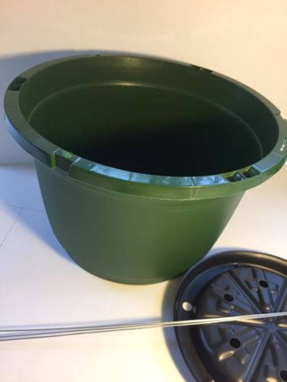 """Planter With Wire Hangers 10/"""" Green Qty. 5 Beldon Hanging Basket,"""