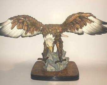American bald eagle statue