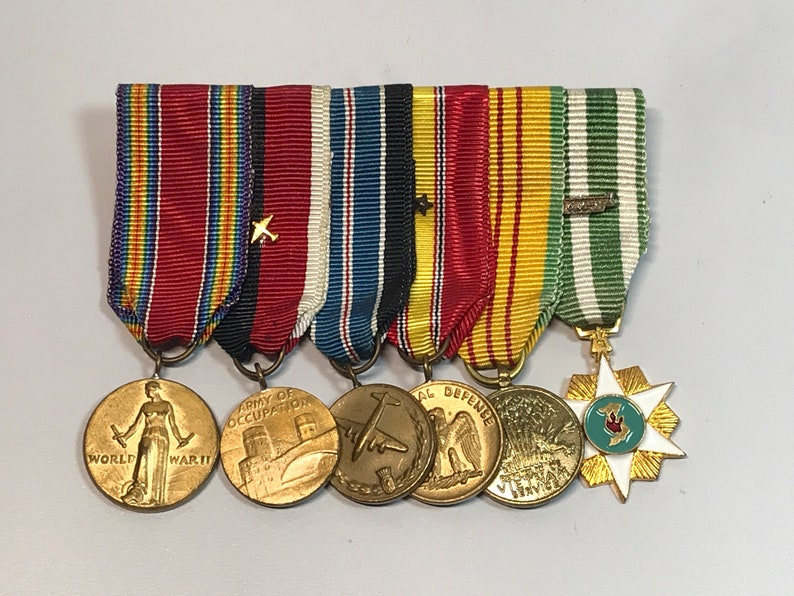 MinIature US Military Ribbons/Medals