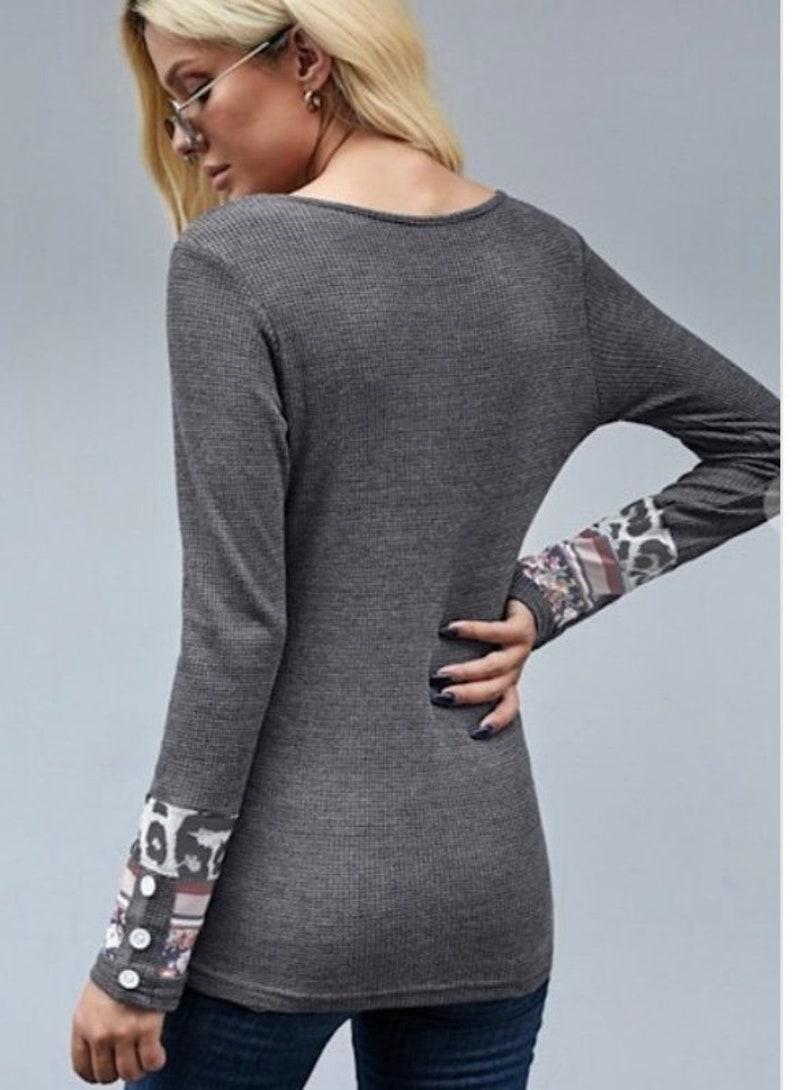 Printed Cuff Gray Thermal Top