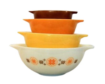 Pyrex Yellow Town and Country Cinderella Mixing Bowl Set of 4