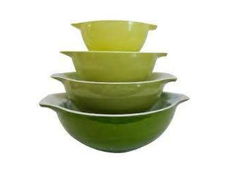 Green Pyrex Verde Cinderella Mixing Bowl Set of 4