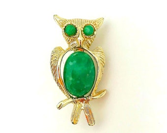 Vintage Jelly Belly Gold Tone Owl Brooch with Green Cabochons, Vintage Scatter Pins