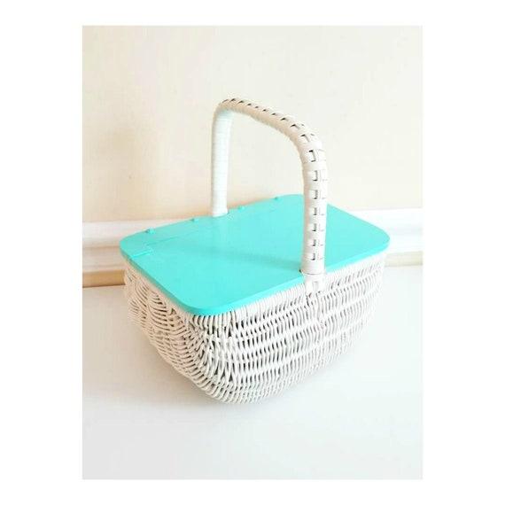 Vintage White Wicker Basket Bag, Vintage White and