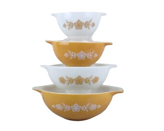 Pyrex Butterfly Gold Cinderella Bowl Set of 4