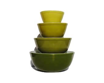 Green Pyrex Verde Avocado Mixing Bowl Set of 4