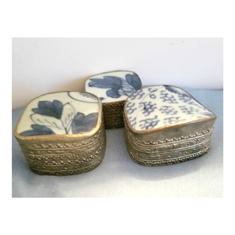 Shard Trinket Box Set of 3 Blue /& White Chinese Porcelain and Silver Alloy 1960s