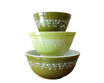 Pyrex Spring Blossom Set of 3 Mixing Bowls