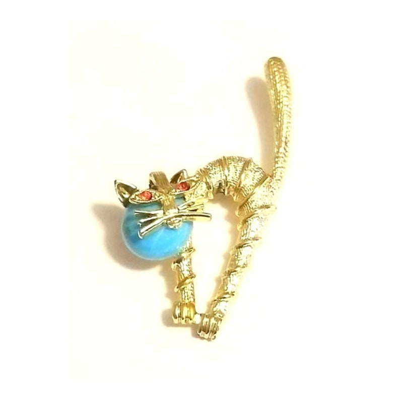 Vintage Jelly Belly Gold Tone CAT Brooch with Blue yarn  image 0